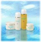 保湿力と浸透力♪ 潤いたっぷりの美容化粧水・乳液に、 肌が必要としている美容成分を贅沢に配合。 新感覚基礎化粧品 紫外線、日焼けのアフターケアにも最適です♪〜(*^^*)